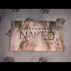 Naked illuminated trio makeup